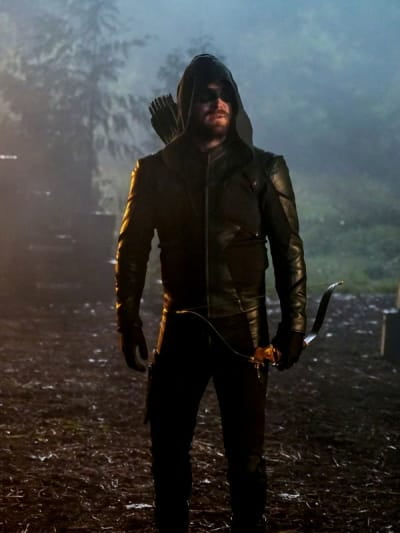 Oliver Looks On - Arrow Season 8 Episode 7