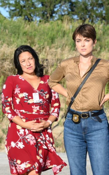 Alison and Jenny: Let's Get Our Steps! - Coroner Season 2 Episode 2