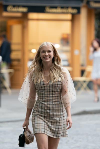 Camile Arrives - Emily in Paris Season 1 Episode 5