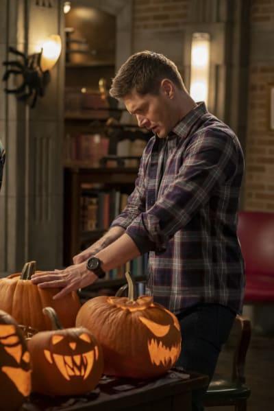 Dean Carves a Pumpkin - Supernatural Season 15 Episode 14