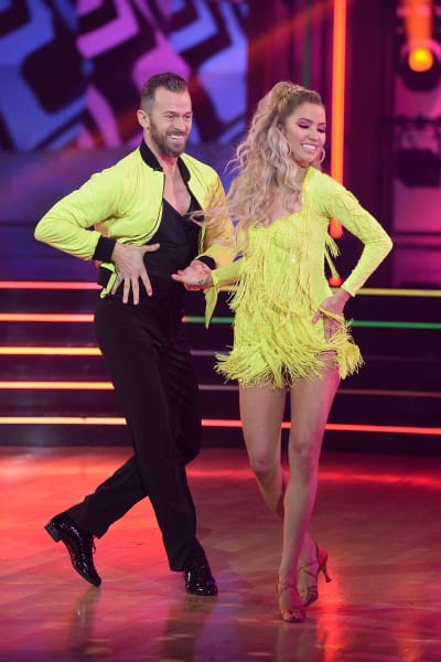 Kaitlyn Bristowe Competes - Dancing With the Stars Season 29 Episode 1