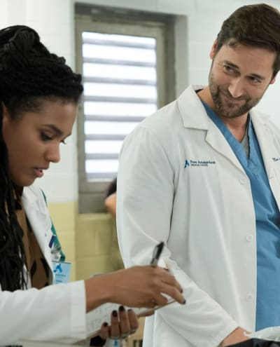 Sharing Burdens - Tall  - New Amsterdam Season 2 Episode 9
