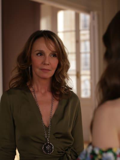 Sylvie in Green - Emily in Paris Season 1 Episode 3