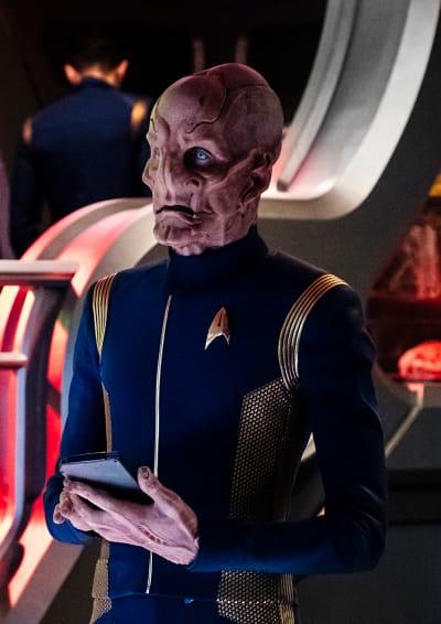 Taking Over the Com - Star Trek: Discovery Season 1 Episode 4