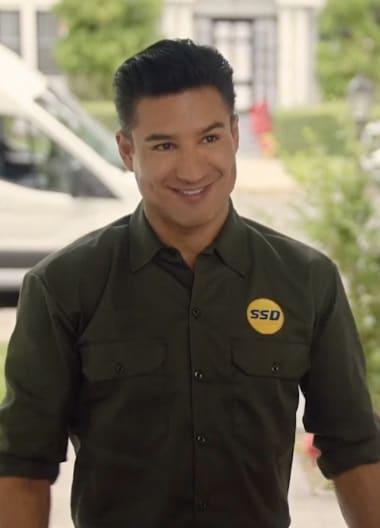A Man in Uniform - Feliz NaviDAD
