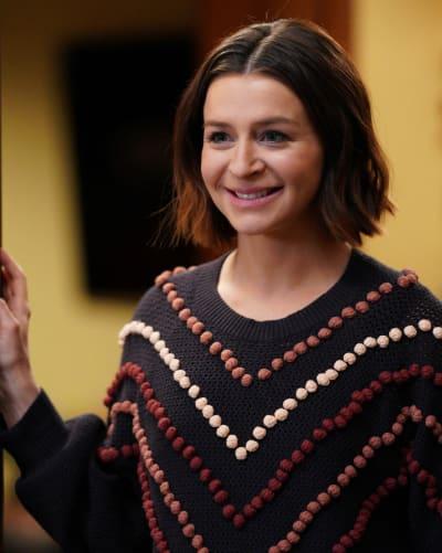 Amelia Glows - Tall  - Grey's Anatomy Season 16 Episode 17