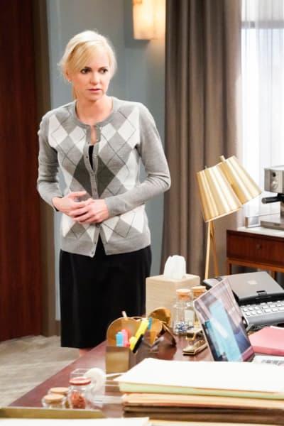 Christy Looks Like She's Been in a Fight - Mom Season 7 Episode 6