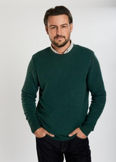 Hallmark Star Tyler Hynes