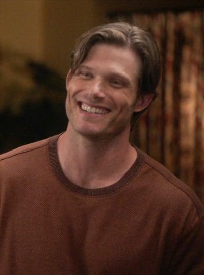 Link Smiles - Tall  - Grey's Anatomy Season 17 Episode 2