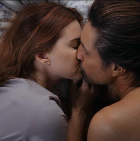 Morning After Kiss - Virgin River Season 2 Episode 3