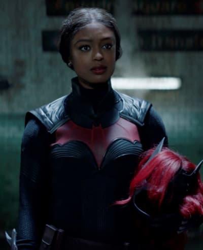 A Hero Rises - Batwoman Season 2 Episode 1