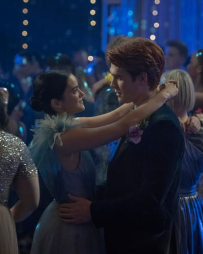 Archie's Guilt - Riverdale Season 5 Episode 1