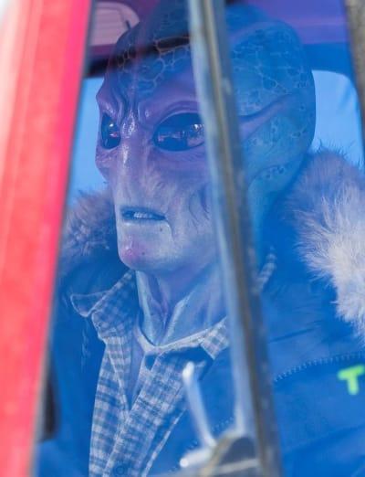 Harry Takes a Drive - Resident Alien Season 1 Episode 1