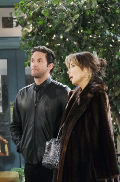 Kate Urges Chad to Come Clean/Tall - Days of Our Lives