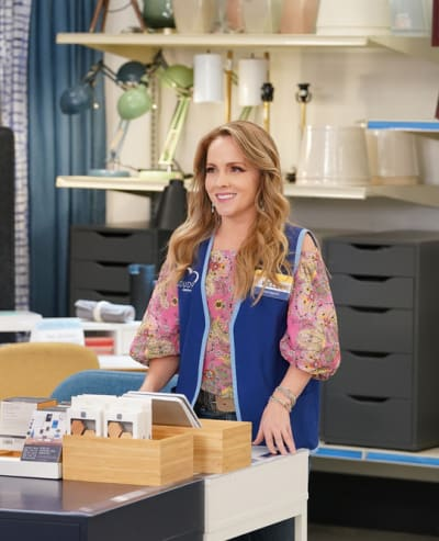 Kelly's Back - Superstore Season 6 Episode 7