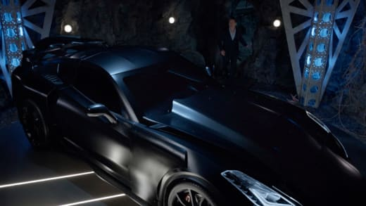 The Car - Batwoman Season 2 Episode 1
