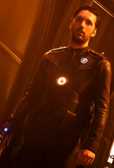 Tyler Seeing Ghosts - Star Trek: Discovery Season 1 Episode 9