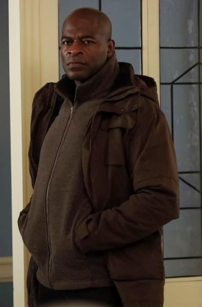 Chipping In - The Blacklist Season 8 Episode 8