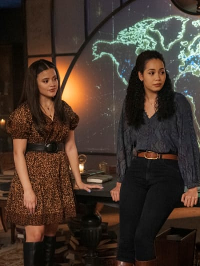Maggie and Macy - Charmed (2018) Season 3 Episode 2 - Charmed (2018)