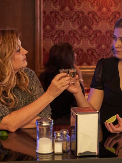 Nic and Grace Drink - Nurses Season 1 Episode 7