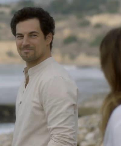 Beach Partner - Tall - Grey's Anatomy Season 17 Episode 7