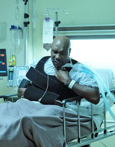 Cain Intubation - Tall - The Resident Season 4 Episode 7