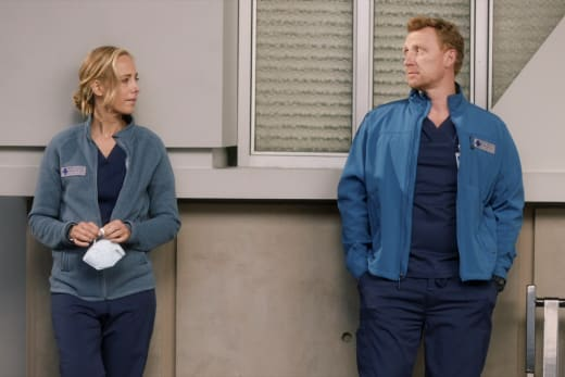 Distance Between  - Grey's Anatomy Season 17 Episode 6