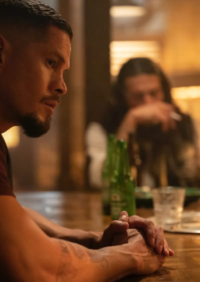 In the Bar - Mayans M.C. Season 3 Episode 3