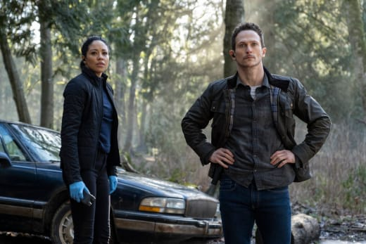 Getting to Work - Debris Season 1 Episode 6
