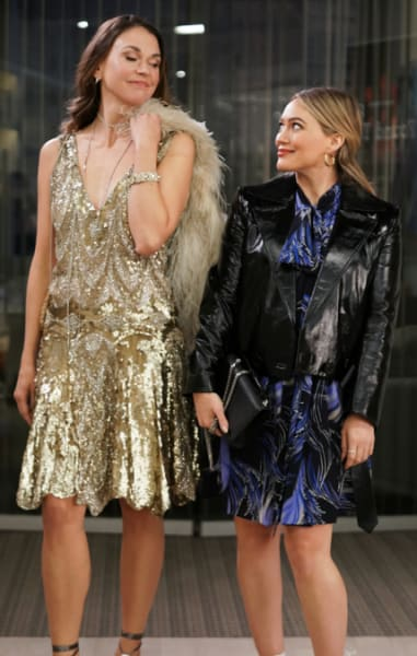 Liza and Kelsey dressed up - Younger Season 7 Episode 5