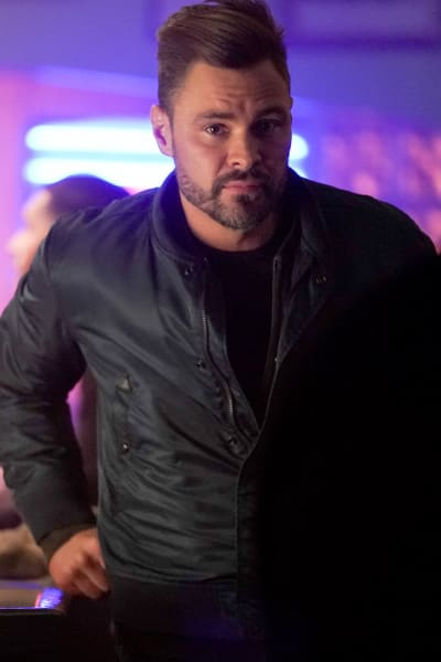 The Hunt Is On - Chicago PD Season 8 Episode 10