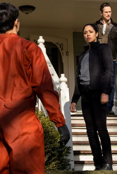 Who Is That Man In Orange? - Debris Season 1 Episode 7