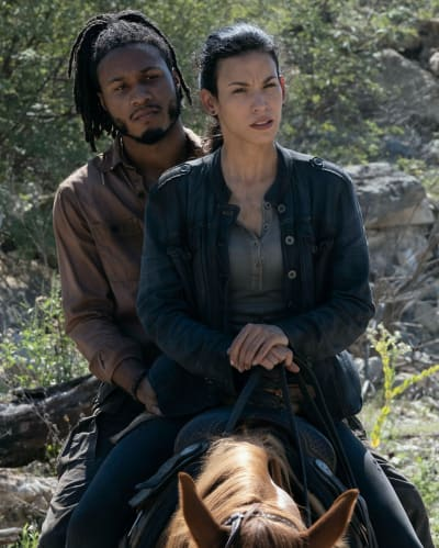 Luciana and Wes are Chilled Out - Fear the Walking Dead Season 6 Episode 9