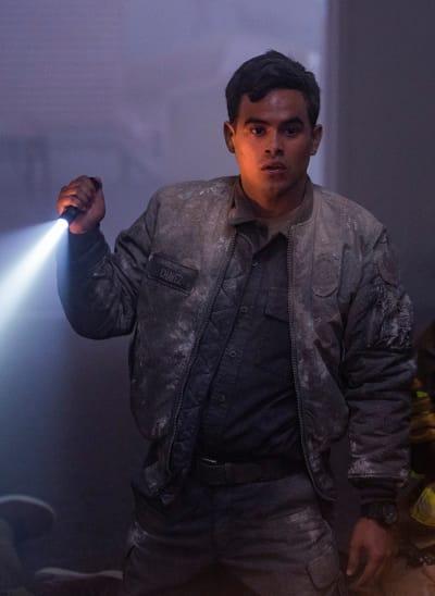 Mateo's Heroics  - 9-1-1: Lone Star Season 2 Episode 14