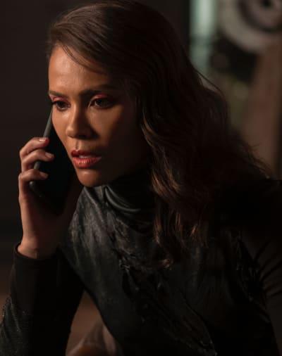 Maze Receives a Call - Lucifer Season 5 Episode 8