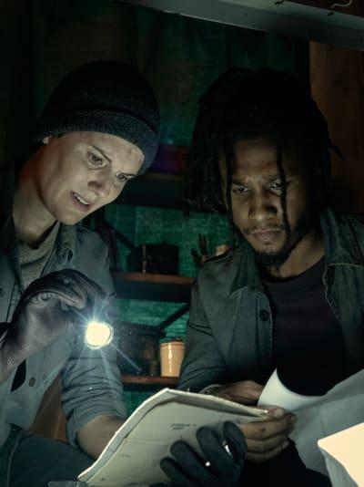 Searching for Clues - Fear the Walking Dead Season 6 Episode 11