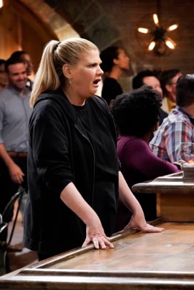 Tammy Looks Suprised - Mom Season 7 Episode 1