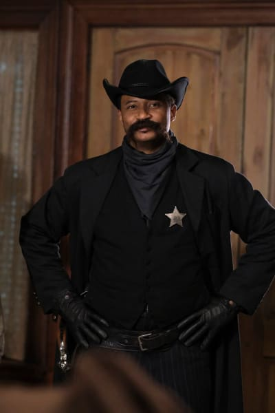 Bass Reeves - DC's Legends of Tomorrow Season 6 Episode 8