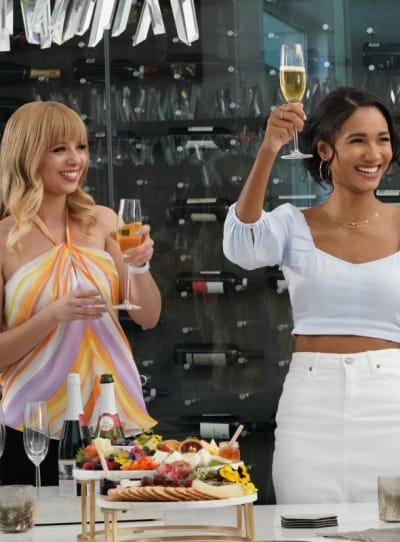 Friendsgiving -- Tall - All American Season 3 Episode 16