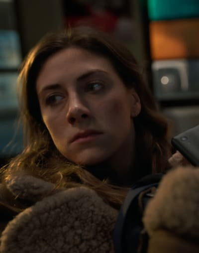 Bus Stop - tall - In The Dark Season 3 Episode 3