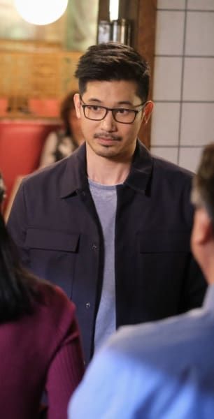Joe Meets Ryan's Parents - Kung Fu Season 1 Episode 10