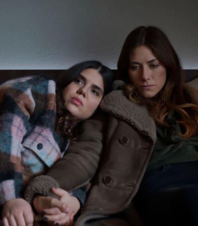 Sisters, Always - tall - In The Dark Season 3 Episode 4
